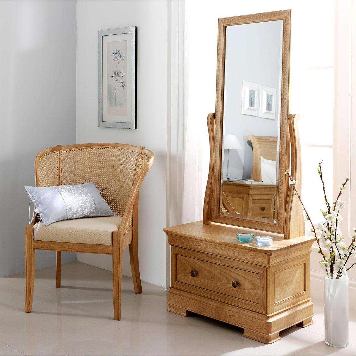 Willis Gambier Dorset Bedroom Furniture: Willis & Gambier Lyon Bedroom Furniture
